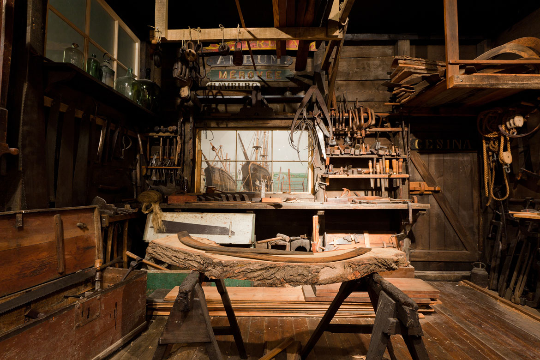 Werkstatt_eines_Schiffszimmerers_im_Altonaer_Museum_IMG_5128_edit