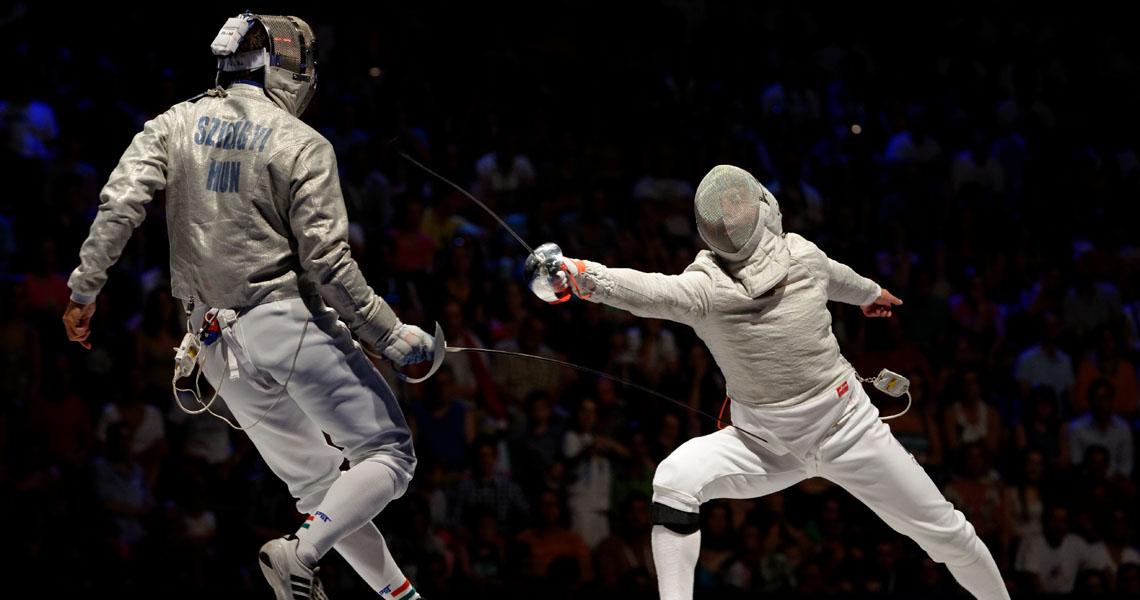 Kovalev_v_Szilagyi_2013_Fencing