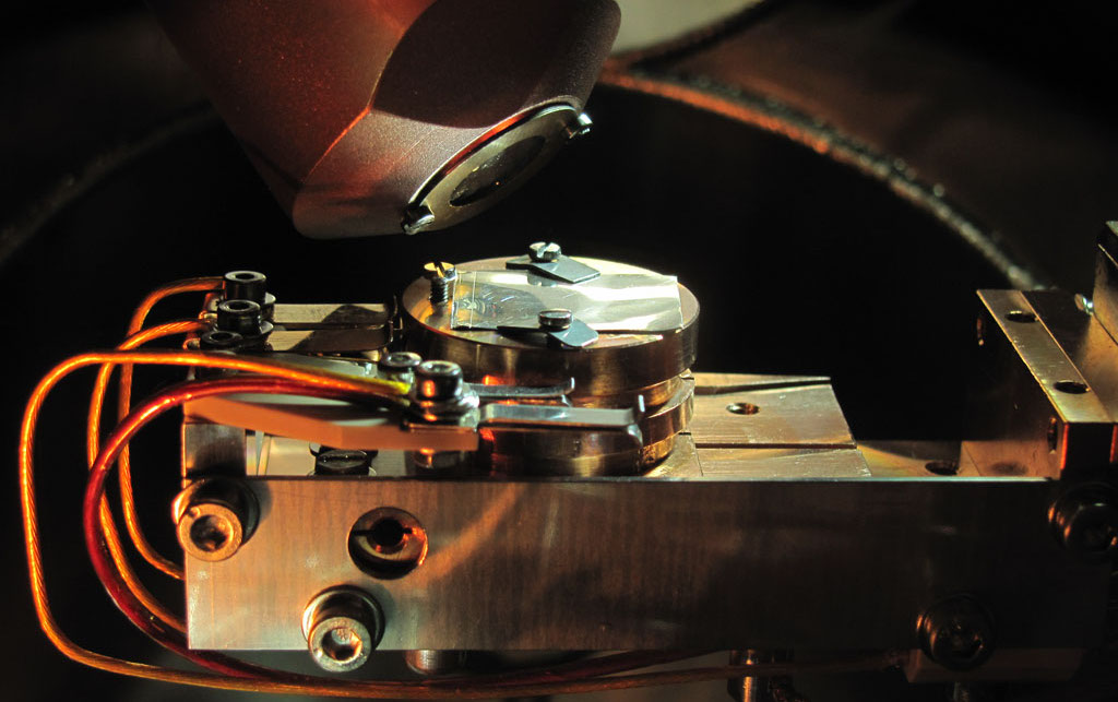 03_Silver_Target_in_XPS_Spectrometer