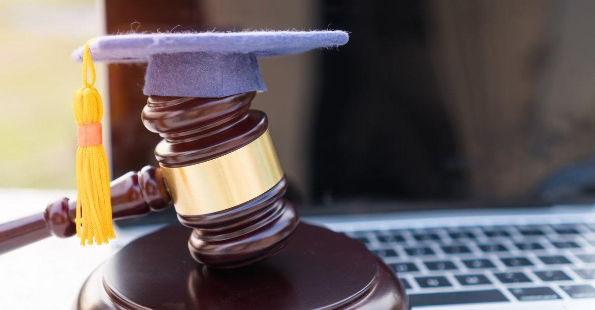 paralegal-graduation-cap-img (1)